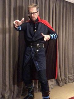 Stephen Merchant jako Doktor Strange