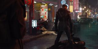 """Ronin walczy z członkami Yakuzy - warto przypomnieć, że według spekulacji pod postacią członków mafii ukrywają się Skrulle, zmiennokształtni przedstawiciele kosmicznej rasy, którą zobaczymy w filmie """"Kapitan Marvel"""""""