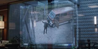 """Najprawdopodobniej nie ma przypadku w tym, że w ostatniej scenie materiału pojawia się Scott Lang - może to sugerować, że zgodnie z licznymi spekulacjami w """"Avengers: Endgame"""" kluczowe znaczenie będzie miał Wymiar Kwantowy; zwróćmy uwagę, że Ant-Man nie tylko z niego uciekł, ale jeszcze przybył do siedziby Avengers tym samym autem, które widzieliśmy w scenie po napisach w filmie """"Ant-Man i Osa"""" - niektórzy fani wierzą, że pojazd może być wykorzystywany do przemieszczania się po Wymiarze Kwantowym"""