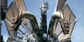 """Ze sceny po napisach dowiadujemy się, że dowodzona przez Jonasa grupa wchodzi w posiadanie jednej z głów Ghidory. Fani wierzą, że w ten sposób dojdzie do powstania Mecha Króla Ghidory – taki obrót spraw widzieliśmy już bowiem w filmie """"Godzilla kontra Król Ghidora"""" z 1991 roku, w którym odnalezione cielsko potwora zostało następnie technologicznie zmodyfikowane."""
