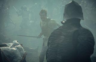 Eist Tuirseach (Björn Hlynur Haraldsson) - rycerz ze Skellige, król Cintry. Jego ślub z królową wywołał mały skandal, ale spotkał się z akceptacją wielmożów. Oddał jednak włądzę nad Cintrą swojej żonie.
