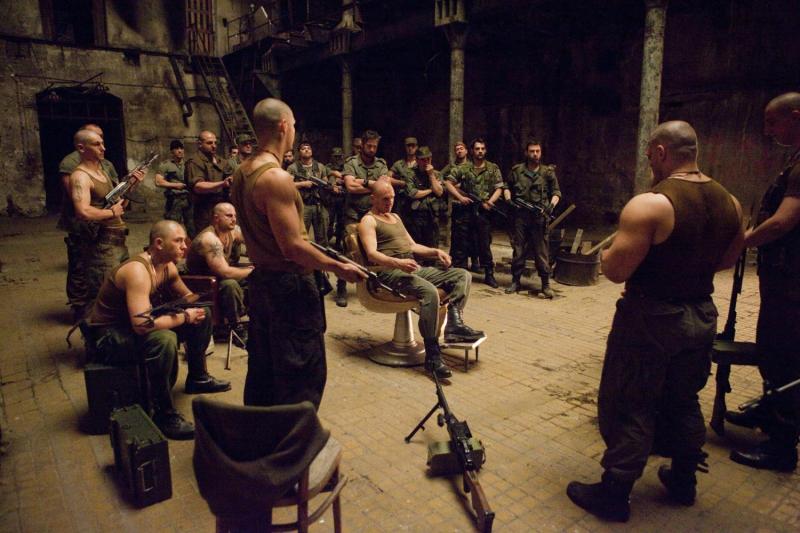 Top Showmax: Najlepsze filmy i seriale wojenne