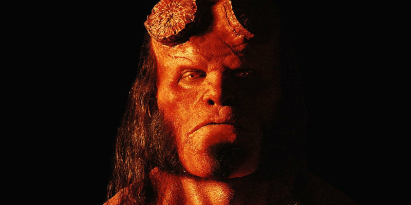 David Harbour jako Hellboy na nowym plakacie. Jest ogień!