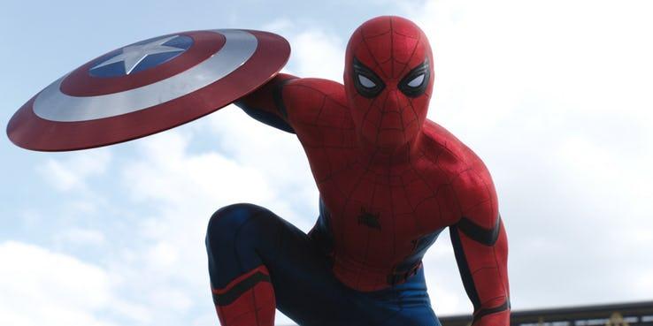 Spider-Man 3 wypycha Doktora Strange'a 2 na 2022 rok. Nowe daty premier