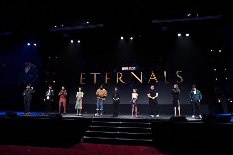 The Eternals - nowe zdjęcia z planu filmu. Angelina Jolie w kostiumie