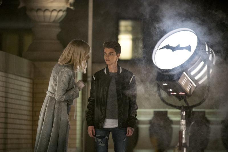 Batwoman - co dalej w serialu? Zdjęcia z 4. odcinka