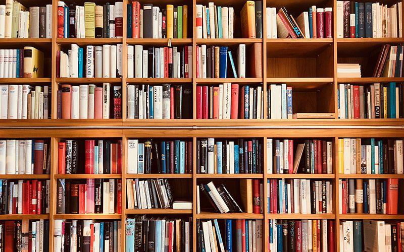 #zostanwdomu i czytaj książki! Lista najważniejszych lektur do nadrobienia