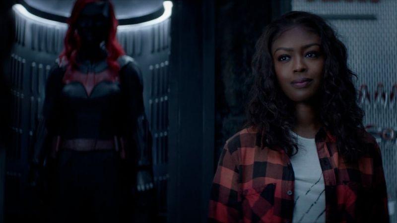 Batwoman - co z crossoverem serialu z Superman & Lois? Zdjęcia z 2. odcinka 2. sezonu