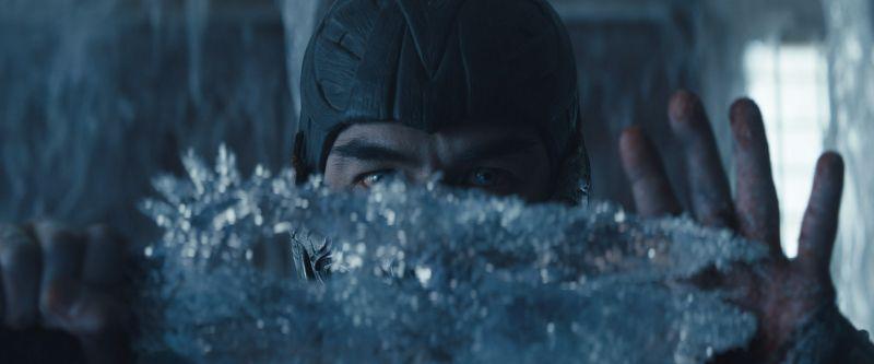 Mortal Kombat - Sub-Zero i Kano na ruchomych plakatach filmu. Jest data premiery zwiastuna