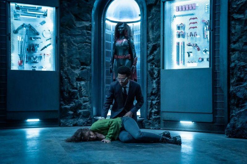 Batwoman - zdjęcia z kolejnego odcinka 2. sezonu. Ryan walczy z kryptonitową raną
