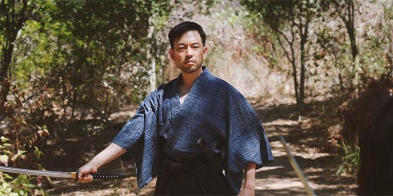 Ghost of Tsushima - Jin Sakai z gry pokazuje walkę kataną w prawdziwym życiu. Wideo robi furorę