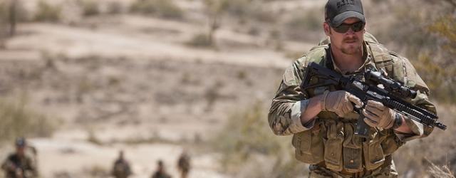 "Bradley Cooper jako twardy komandos. Zdjęcia z ""American Sniper"" Clinta Eastwooda"