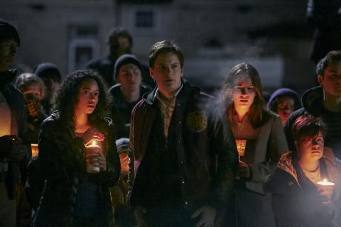 """""""Between"""" – zwiastun thrillera platformy Netflix o tajemniczej epidemii"""