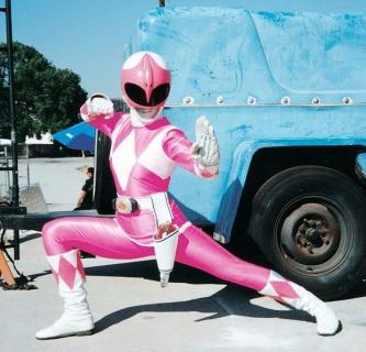 """Naomi Scott jako Różowy Ranger w """"Power Rangers"""""""