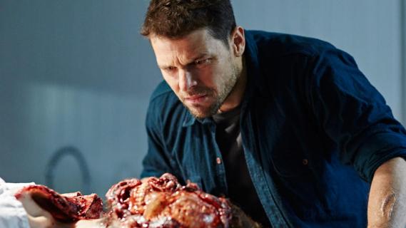 Hunters: sezon 1, odcinek 1 i 2 – recenzja