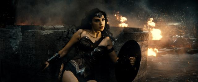 Batman v Superman - Zack Snyder o zdjęciu Wonder Woman i scenie Aquamana w filmie