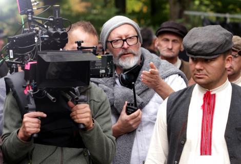 Wojciech Smarzowski kontra tekturowe czołgi – fenomen reżysera Wołynia