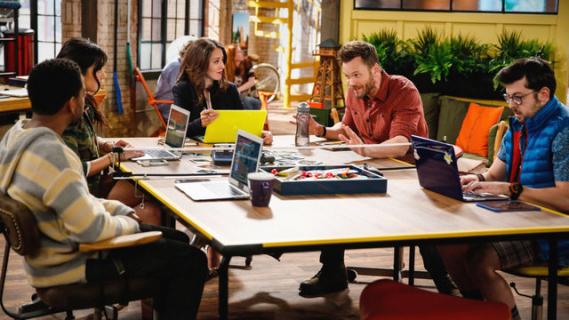 The Great Indoors – sezon 1, odcinek 1 – recenzja