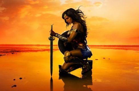 2 tysiące statystów – rozmach na planie Wonder Woman 1984. Flash ma rok premiery