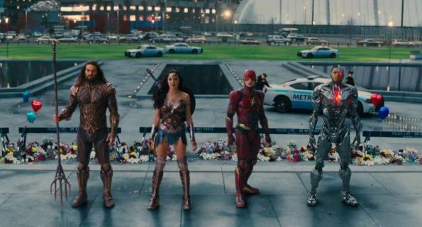 Liga Sprawiedliwości i Avengers kontra Drakseid i Thanos. Zobacz fanowskie wideo