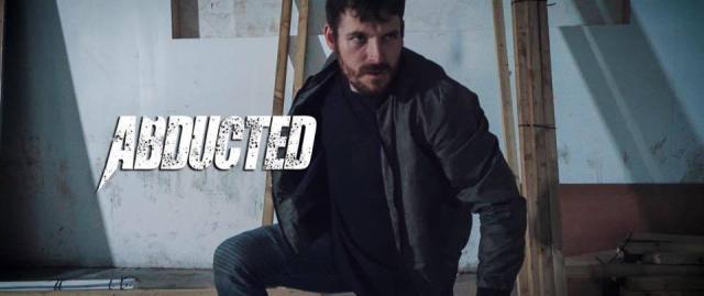 Eksperci od sztuk walki zrobili film. Obejrzyj Abducted