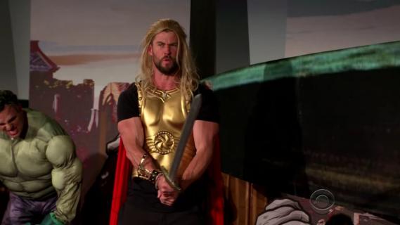 Obsada filmu Thor: Ragnarok zaskoczyła widzów w kinie. Zobacz zabawną akcję