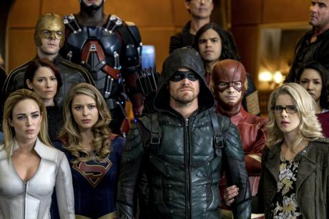 Przyjaciele znikną z Netflixa. Arrow, Flash i Supergirl również