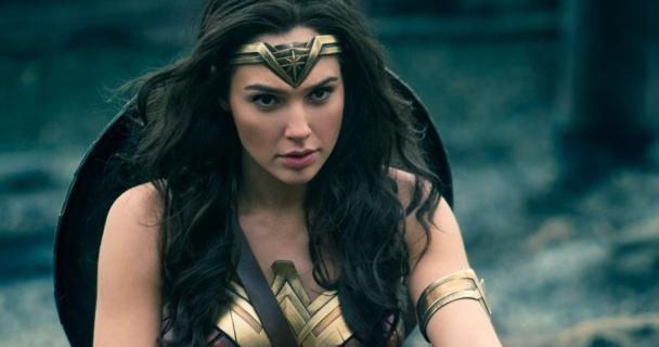 Wonder Woman 1984 – dlaczego premiera została przesunięta? Producent odpowiada