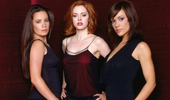 Nowe Czarodziejki i Roswell – The CW zamawia pełne sezony rebootów