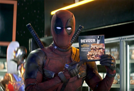 Deadpool się sprzedaje i reklamuje kanapki. Zobacz wideo