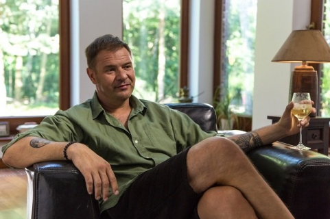 Tomasz Karolak w nowej komedii romantycznej reżysera Narzeczonego na niby