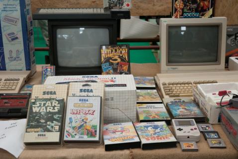 Najciekawsze konsole dla miłośników retro