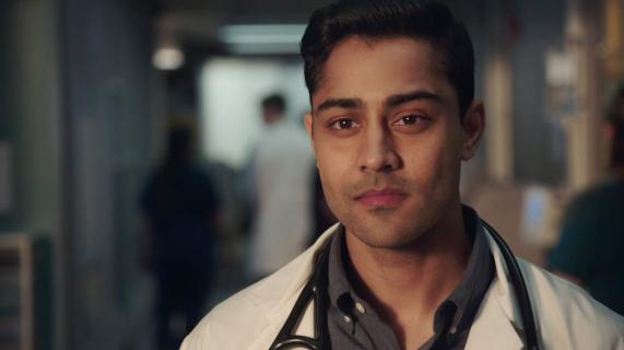 Manish Dayal: Devon i ja jesteśmy bardzo podobni – wywiad z gwiazdą serialu Rezydenci
