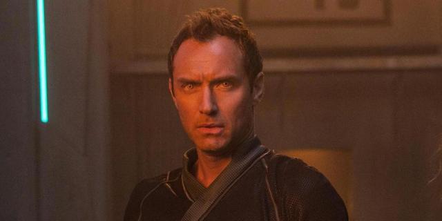 Captain Marvel – zaskakująca teoria. Kogo naprawdę gra Jude Law w MCU?