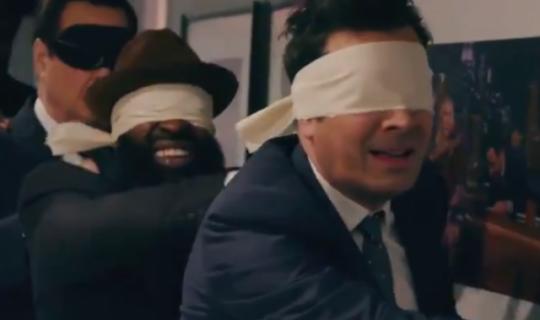 Nie otwieraj oczu – Jimmy Fallon i Lindsay Lohan parodiują film Netflixa