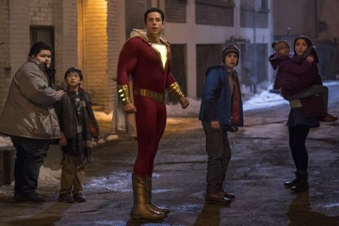 Shazam! – rodzina bohatera w niebezpieczeństwie. Zobacz nowy spot