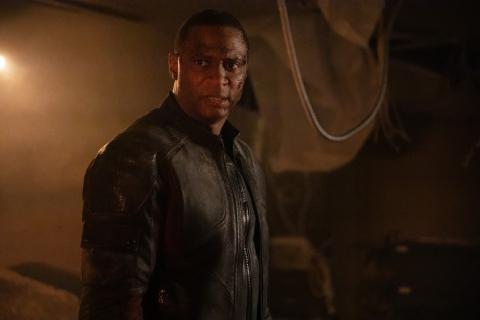 Arrow - oto nowy kostium Diggle'a w 8. sezonie serialu