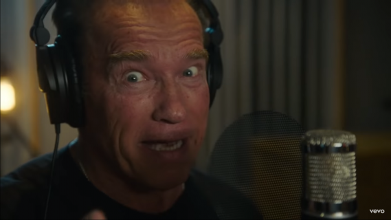Arnold Schwarzenegger został raperem. Zobacz koniecznie ten teledysk