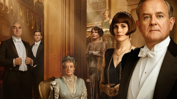 Downton Abbey - plakaty filmu pokazują psiego bohatera