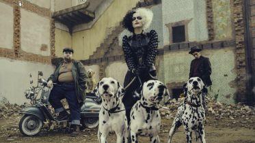 Cruella - nowy opis filmu zdradza szczegóły historii o kultowej antagonistce Disneya