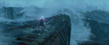 Gwiezdne Wojny: Skywalker. Odrodzenie - Mroczna Rey vs. Kylo i flota setek statków. Zobacz nowe wideo!