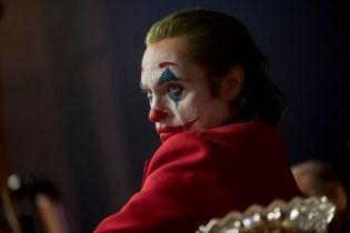 Joker - czy [SPOILER] jest ojcem Arthura Flecka? Aktor komentuje
