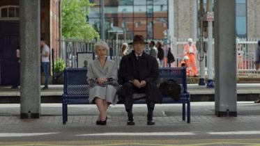 Kłamstwo doskonale - zwiastun dramatu. Ian McKellen i Helen Mirren w obsadzie