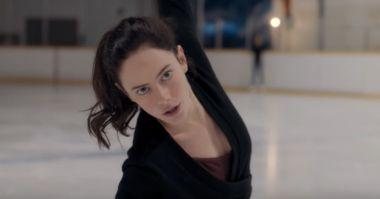 Spinning Out - zwiastun serialu Netflixa o łyżwiarstwie. Kaya Scodelario w roli głównej