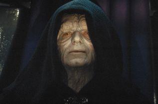 Star Wars 9 - Palpatine w filmie miał wyglądać o wiele bardziej makabrycznie
