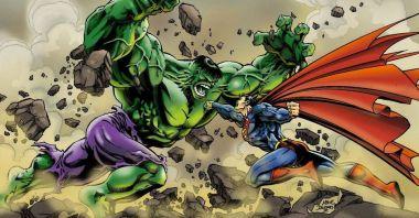 Marvel - Hulk przerobił kiedyś Supermana na kotlety... Tego ciosu nigdy nie pokazano