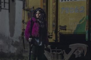 The Walking Dead - Kim są ludzie w białych zbrojach z 16. odcinka? Showrunnerka wyjaśnia