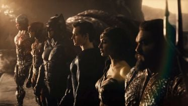 Zack Snyder's Justice League - Wonder Woman walczy ze Steppenwolfem na nowym zdjęciu