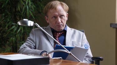 Osiecka - Artur Barciś nie wystąpi w serialu. Wycięto jego rolę Władysława Gomułki