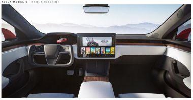Na Tesli Model S zagramy w Wiedźmina 3 i Cyberpunka 2077